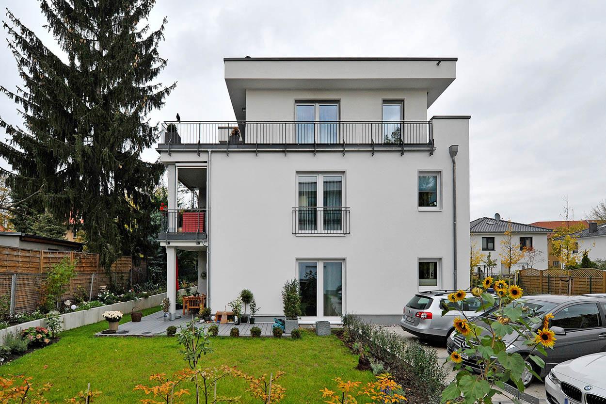 Mehrfamilienhaus mit Staffelgeschoss.jpg