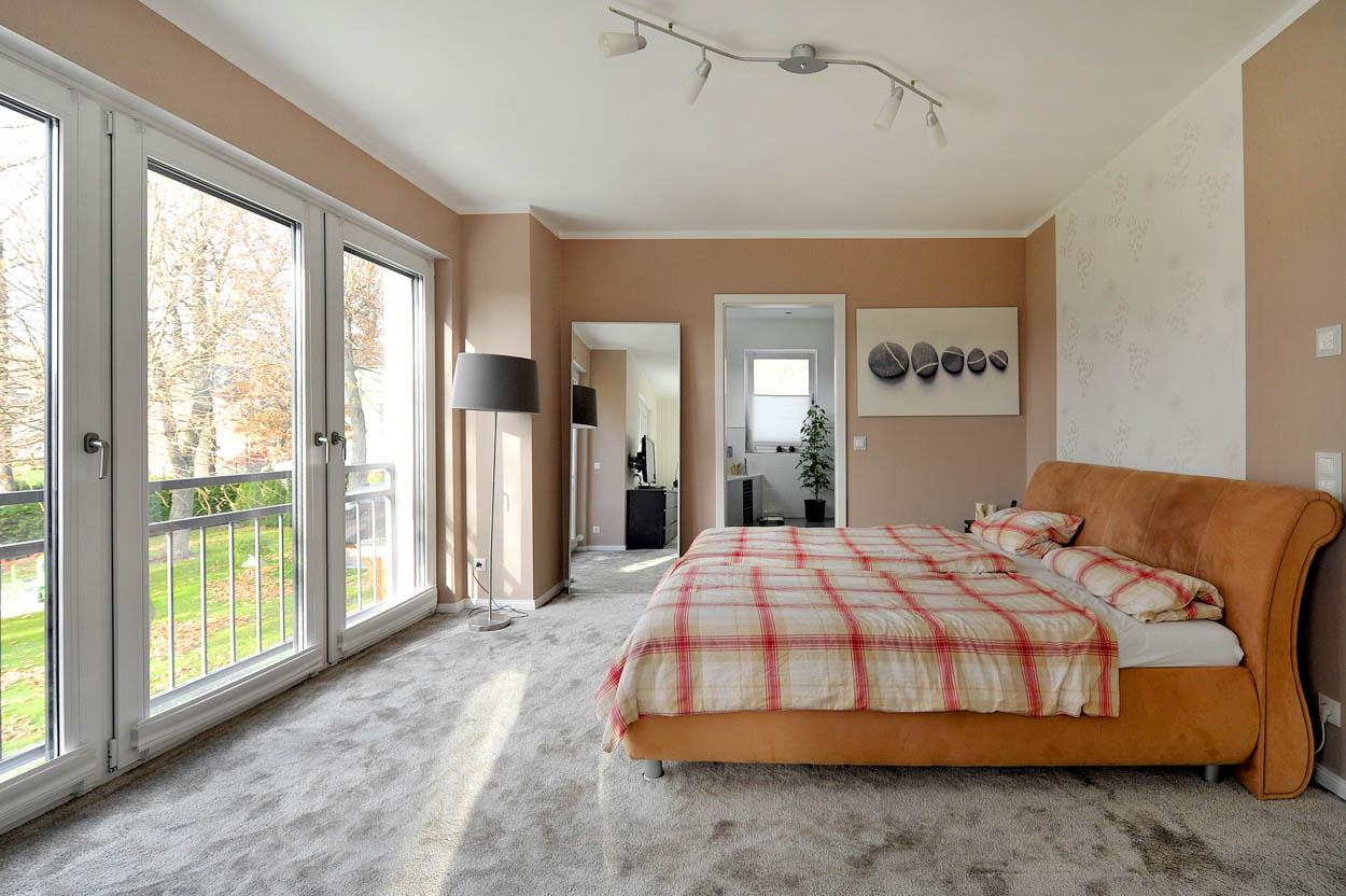 Schlafzimmer mit Ausblick.jpg